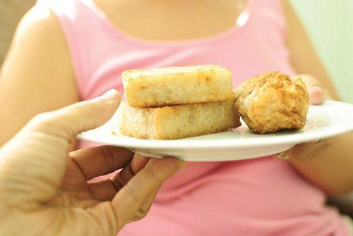 Chế độ ăn ít chất xơ cũng làm tăng nguy cơ mắc bệnh ở đường tiêu hóa, trong đó có ung thư hậu môn