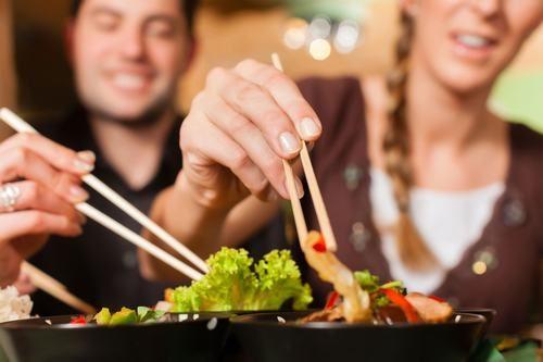 Thói quen ăn uống không khoa học làm tăng nguy cơ mắc ung thư đường tiêu hóa