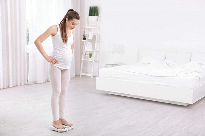 Mẹ bầu tăng cân nhanh có nguy cơ bị cao huyết áp
