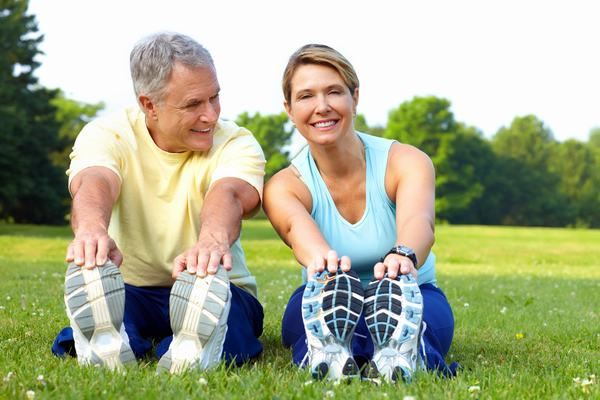 Mỗi ngày bạn nên luyện tập thể dục thể thao để tăng cường sức đề kháng, giảm nguy cơ mắc bệnh