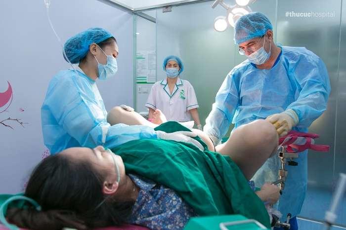 Với đội ngũ bác sĩ đầu ngành, các dịch vụ chăm sóc hoàn hảo, mẹ đi sinh vô cùng nhẹ nhàng và thoải mái