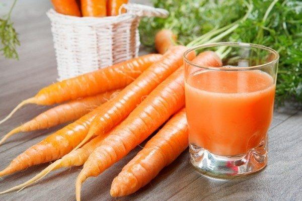 Cà rốt giàu acid folic – có tác dụng ức chế sự phát triển ung thư, có tác dụng hiệu quả trong phòng bệnh ung thư vòm họng.