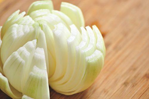 Thường xuyên ăn hành tây có thể giảm lượng nitrit dạ dày xuống mức đáng kể, đồng thời giảm nguy cơ mắc ung thư dạ dày.