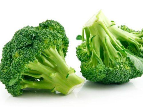 Ngoài vitamin C, folate, sắt, canxi, beta-caroten, bông cải xanh còn chứa dồi dào chất xơ. Ngoài ra, súp lơ xanh còn rất giàu chất chống oxy hóa, tốt cho hệ tiêu hóa của phụ nữ mang thai, giúp phòng ngừa táo bón hiệu quả.
