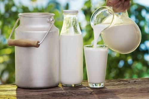 Sữa tươi có thể giảm nhiệt cho dạ dày. Nó tạo ra cảm giác dịu mát với tình trạng nóng dạ dày.