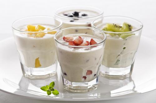 Sữa chua là một trong những biện pháp giúp điều trị nóng dạ dày và làm giảm cảm giác nóng.