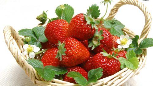 Dâu tây, mâm xôi, việt quất đều đều là những loại trái cây hữu ích trong việc trị chứng táo bón vì rất giàu chất xơ, chất chống oxy hóa và ít calo.