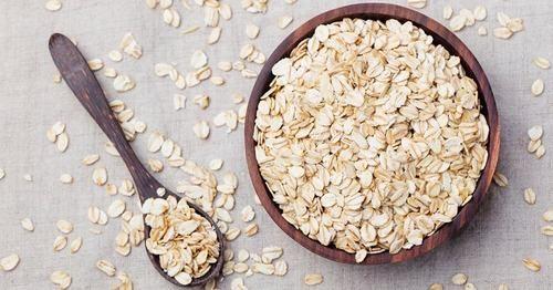 Bột yến mạch là một loại thực phẩm mà người bệnh trào ngược dạ dày thực quản nên ăn