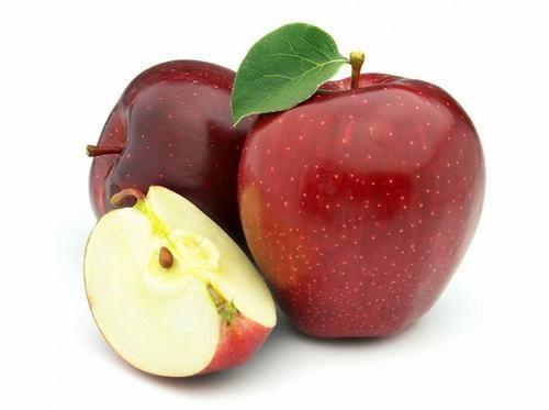 Táo có chứa cả chất xơ hòa tan và không hòa tan sẽ giúp giảm nguy cơ táo bón hiệu quả.