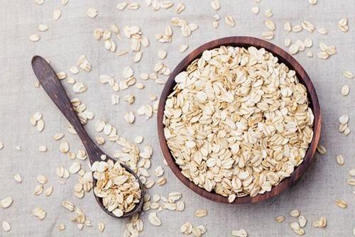 Yến mạch là một trong những thực phẩm tốt cho hệ tiêu hóa bởi nó rất giàu chất xơ
