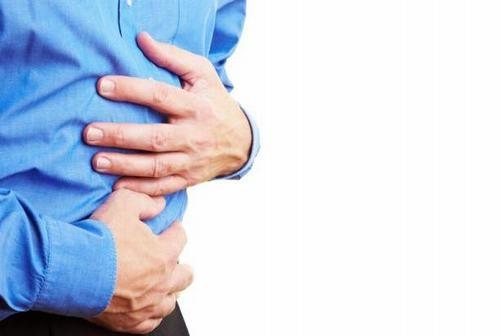 Người bệnh thủng dạ dày tá tràng sẽ thấy xuất hiện những cơn đau bụng dữ dội, mạch nhanh