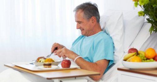 Người bệnh cần áp dụng chế độ ăn uống khoa học để cải thiện sớm bệnh