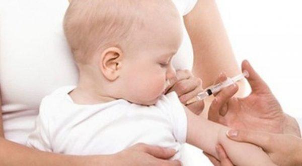 Tiêm phòng viêm gan B cho trẻ