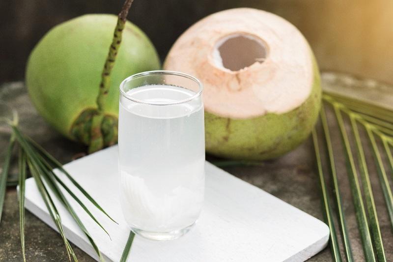 Nước dừa có nhiều tác dụng với mẹ bầu bị tiểu đường thai kỳ