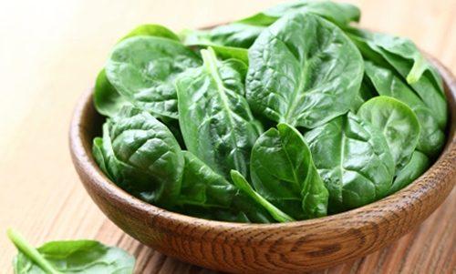 Rau củ quả đặc biệt là các loại rau màu xanh đậm rất tốt cho hệ tiêu hóa do chứa nhiều vitamin, khoáng chất, chất xơ.