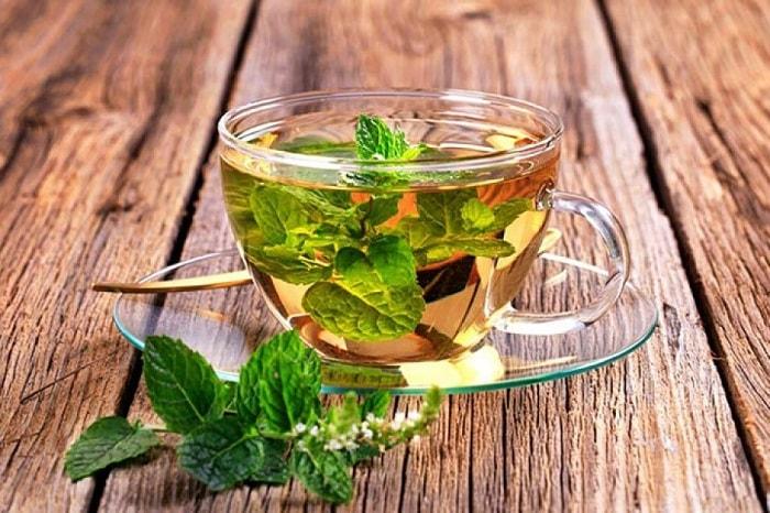 Mẹ bị nghén có thể uống trà bạc hà để cảm thấy dễ chịu hơn