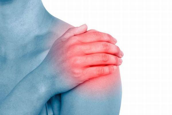 Trật khớp vai không gây nguy hiểm tới tính mạng nhưng có thể để lại biến chứng