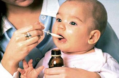 Trẻ bị đau dạ dày