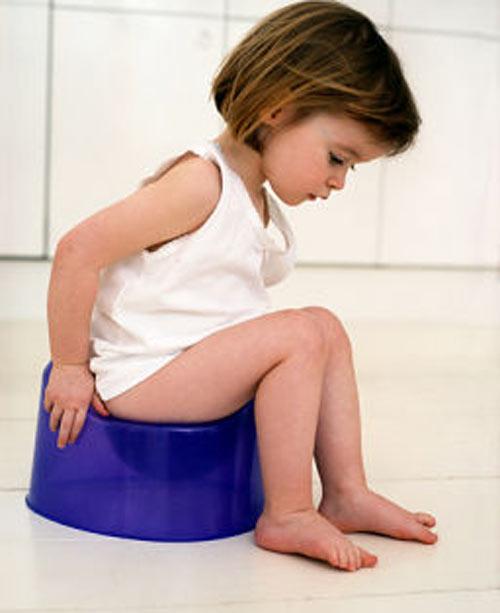 Các bậc cha mẹ và người chăm sóc trẻ cần nhận biết các biểu hiện bệnh đường ruột ở trẻ em để giúp trẻ điều trị kịp thời.