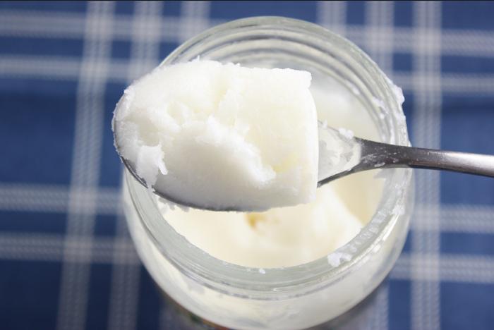 Cách điều trị đau âm vật do nhiễm nấm tại nhà bằng dầu dừa
