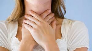 Các triệu chứng của barrett thực quản thường liên quan đến trào ngược acid dạ dày.