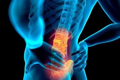 Xương là vị trí dễ bị ung thư dạ dày di căn tới gây ra các triệu chứng như đau nhức xương khớp, xương dễ nứt, gãy