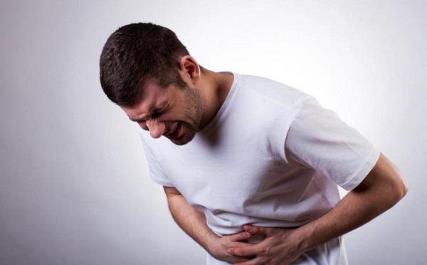 Đau bụng là một trong những triệu chứng thường gặp ở bệnh nhân ung thư gan