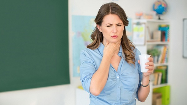 Khó nuốt là một trong những biểu hiện ung thư thực quản thường gặp