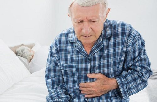 Người bệnh ung thư thực quản sẽ gặp phải tình trạng sụt giảm cân nặng, mệt mỏi kéo dài