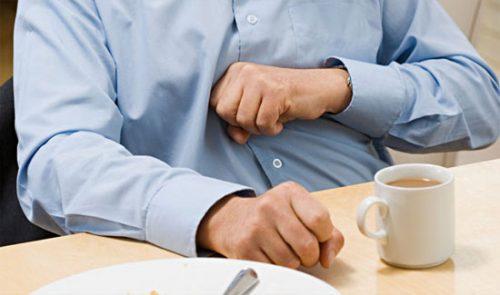 Bị rối loạn chức năng tiêu hóa sẽ gây ra chứng bệnh táo bón hoặc tiêu chảy, ợ nóng, ợ chua...