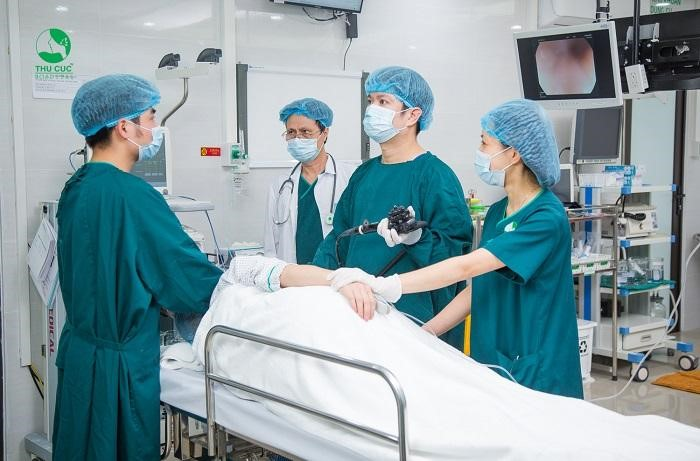 Tùy vào tình trạng khối u nang buồng trứng, các bác sĩ chuyên khoa sẽ quyết định phương pháp điều trị phẫu thuật phù hợp nhất