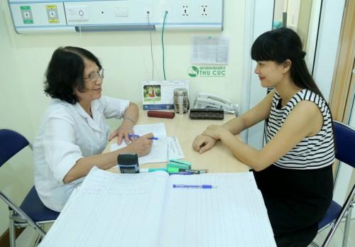 Khi có dấu hiệu nghi ngờ mắc u nang tuyến vú, bệnh nhân nên đến các cơ sở chuyên khoa để thăm khám kịp thời (ảnh mang tính chất minh họa)