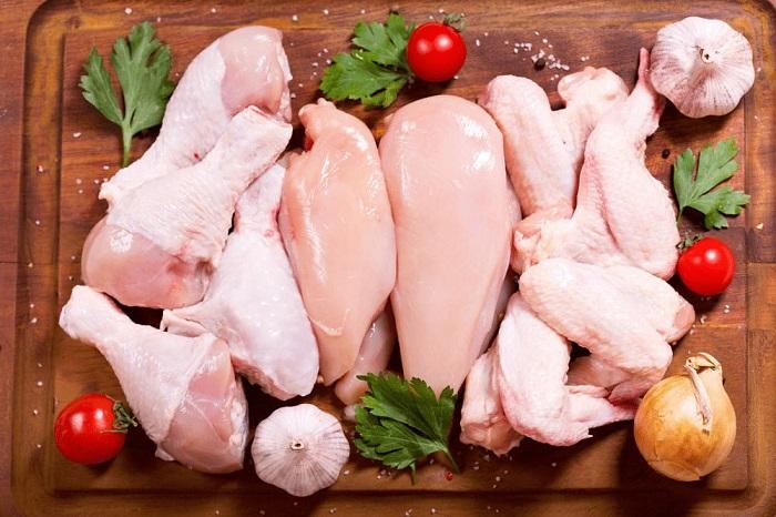 Thịt trắng là thực phẩm người bị u xơ tử cung nên bổ sung trong chế độ ăn hàng ngày