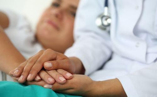 Người bệnh cần được chăm sóc đặc biệt để ổn định tâm lý và sức khỏe