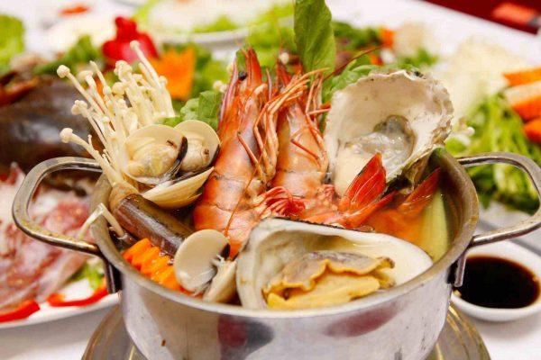 Các loại đồ hải sản tanh không tốt cho bệnh nhân có biểu hiện đờm trắng có bọt, rêu lưỡi trăng, nhầy, thường xuyên bị lạnh