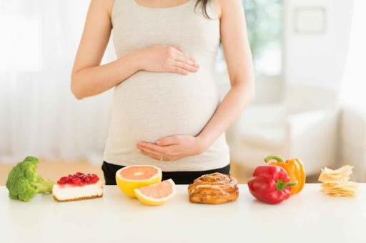 Mẹ bầu mắc tiểu đường thai kỳ nên cân nhắc chọn lựa những trái cây phù hợp và đảm bảo vệ sinh để ngăn ngừa đường huyết tăng cao đột ngột gây ảnh hưởng đến sức khỏe