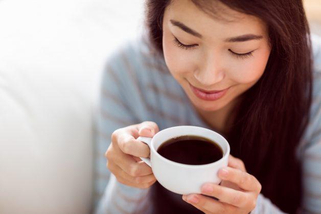 Cà phê là một trong những thủ phạm gây khiến cho răng bị ố vàng