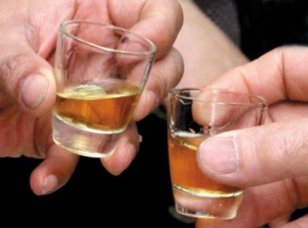 Uống rượu nhiều nguy cơ mắc ung thư gan cao