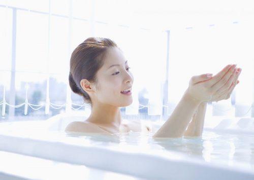 Vệ sinh cá nhân, tắm rửa hàng ngày, đúng cách giúp cải thiện nhanh chóng tình trạng bệnh