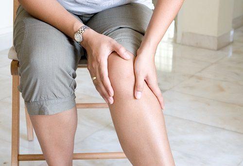 Đau sưng cơ là triệu chứng của viêm cơ đầu gối