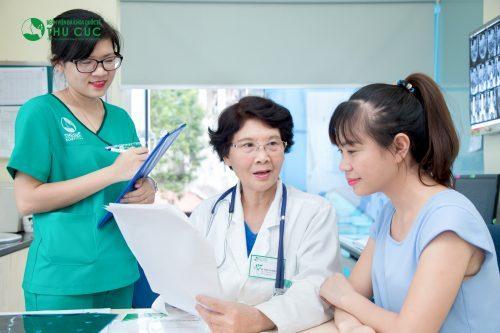 Khi có dấu hiệu bị viêm hành tá tràng cần đi khám chuyên khoa tiêu hóa càng sớm càng tốt.