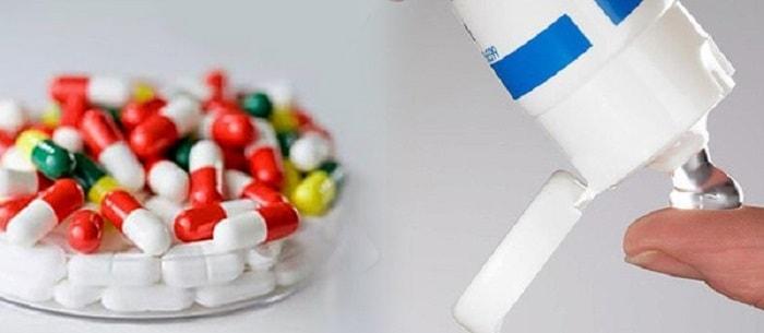 Có thể dùng những loại thuốc dạng uống hoặc dạng bôi để điều trị bệnh