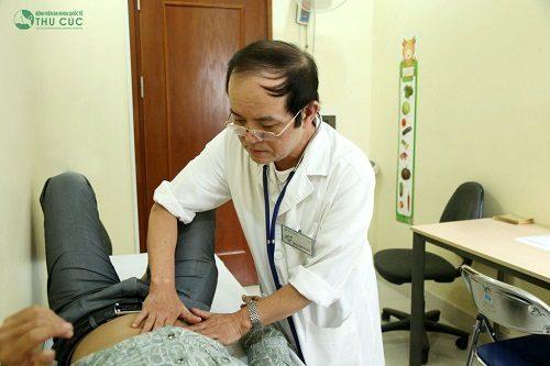 Sau khi thăm khám, tùy thuộc vào tình trạng bệnh, khả năng đáp ứng của người bệnh, các bác sĩ sẽ kê đơn thuốc phù hợp cho bệnh nhân