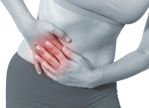 Khi bị viêm ruột thừa, người bệnh sẽ có biểu hiện đau hạ sườn phải, có thể sốt, mệt mỏi