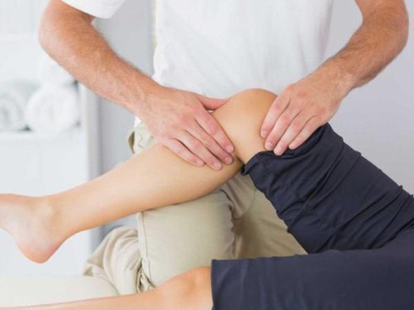 Sau điều trị, người bệnh cần tuân thủ theo đúng hướng dẫn của bác sĩ để cải thiện sớm khả năng vận động