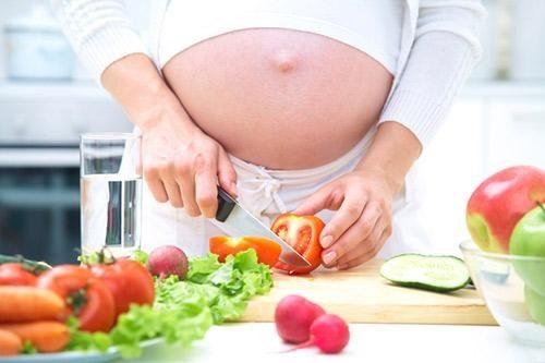 Trong khi điều trị bệnh xuất huyết dạ dày, thai phụ cần thay đổi chế độ ăn uống để cải thiện tình trạng sức khỏe