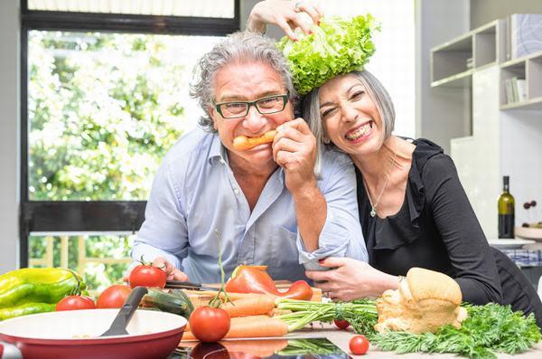 Áp dụng chế độ ăn uống khoa học và thăm khám sức khỏe định kỳ