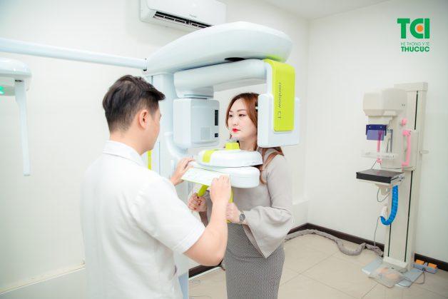 Chụp CT giúp bác sĩ biết chính xác cấu trúc của hàm để lên phương án nhổ răng phù hợp