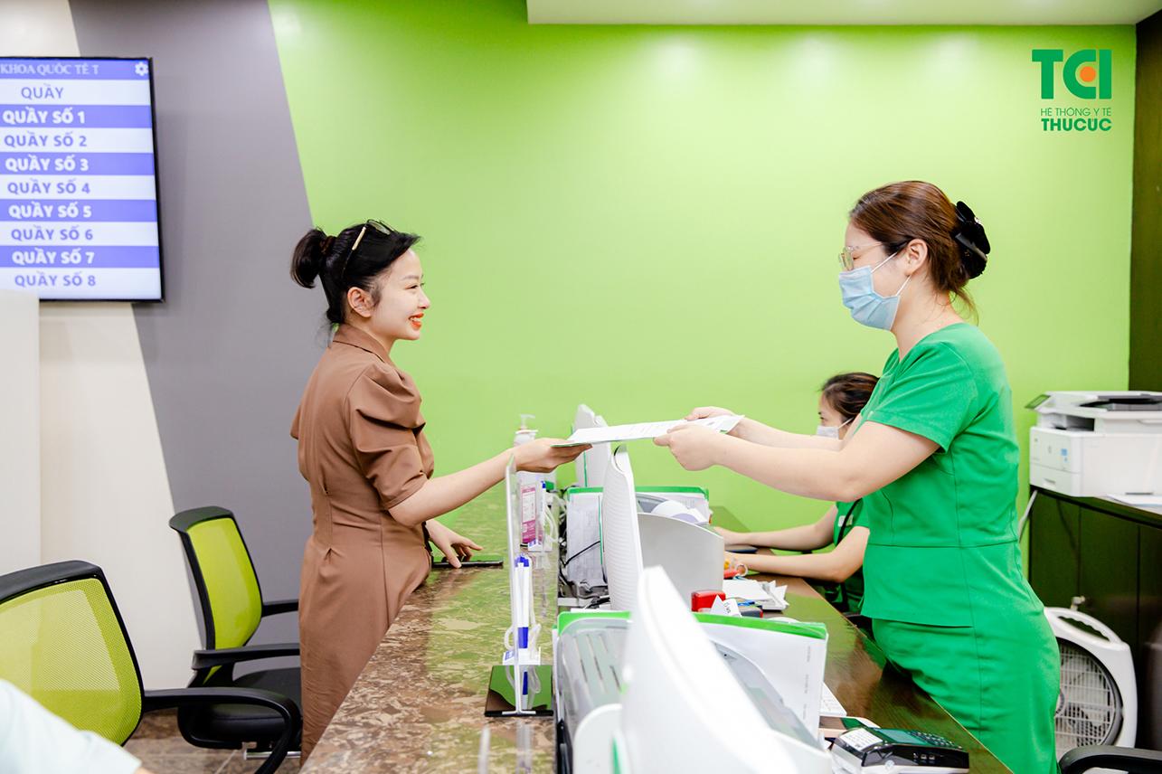 Bệnh nhân tiến hành tái khám định kỳ để kiểm tra vết nhổ và kịp thời điều trị nếu có bất thường
