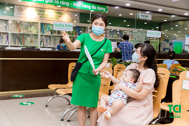 Cách trị viêm họng cho trẻ sơ sinh tốt nhất là đưa con đi khám